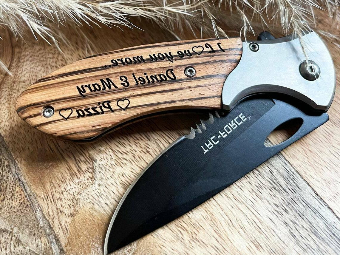 personalized pocket knife engraved gift for groomsmen